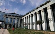 Tòa Ba Lan không bắt người giàu đóng thêm thuế