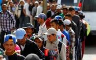 Dòng người di cư bắt đầu xin tị nạn vào Mỹ