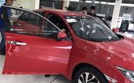 Tăng tốc nhập ôtô vi vu tết, siêu xe 20 tỉ về Việt Nam