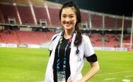 Sốt với hình ảnh nữ bác sĩ xinh đẹp của tuyển Thái Lan