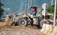 Các tuyến đường bị sạt lở ở Nha Trang đã lưu thông một phần
