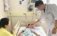 Bệnh nhi 4 tuổi bị tan máu cấp do dùng lá lộc mại chữa bệnh