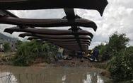 Mưa lớn, lũ quét khiến nhiều tuyến đường bộ, đường sắt bị chia cắt