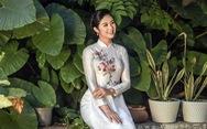 Áo dài Ngọc Hân cảm hứng Đường xưa mây trắng từ thiền sư Nhất Hạnh