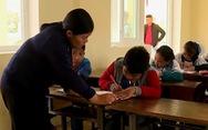 Cô giáo cho cả lớp tát học sinh phải nhập viện vì quá áp lực