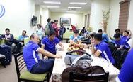 Tuyển VN mất gần 4 tiếng đồng hồ mới có thể nhập cảnh Philippines