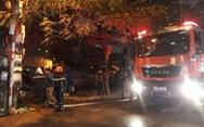 Cháy tầng 31 chung cư Linh Đàm, người dân bịt khăn ướt tháo chạy