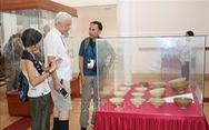 """Hơn 350 hiện vật quý trưng bày tại chuyên đề """"Gốm Chăm xưa và nay"""""""