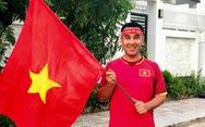 Quyền Linh mua áo đỏ, cờ đỏ chờ đêm nay