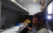 Xem chung kết lượt đi Việt Nam - Malaysia trong tiếng xình xịch... tàu hỏa