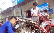 Rửa xe gây quỹ giúp người hoạn nạn