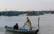 Phú Quốc: Ngư dân tạm ngưng ra khơi, vào bờ ủng hộ tuyển VN
