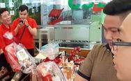 TP.HCM bắt đầu nhộn nhịp bán hàng tết