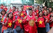 CĐV Việt Nam đổ về sân Panaad nhiều giờ trước trận bán kết