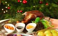Cá trích mặc áo lông, tiệc thất ngư và những món độc lạ mùa Giáng sinh
