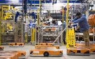 Robot làm thủng hộp thuốc diệt côn trùng, 24 nhân viên Amazon nhập viện
