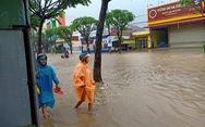 Mưa lớn suốt 2 ngày, nhiều nơi ở Quảng Nam, Bình Định ngập sâu