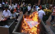 Ngăn chặn đốt vàng mã: 'Nhà nước mới đủ năng lực cấm'