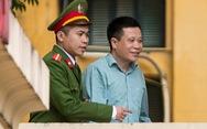 Ông Hà Văn Thắm xin 'vài ngày thôi' để trả PVN 800 tỉ