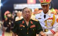 Vị tướng cùng tuổi con gà ngậm ngùi tiễn biệt ông Sáu Khải