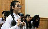 Học sinh bật khóc vì 'cô không nói gì ngoài giảng bài'