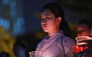 Kinh Phật vang đêm cầu siêu nạn nhân vụ cháy chung cư Carina