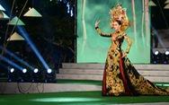 Ngắm những bộ áo dài đẹp mắt trong Lễ hội Áo dài TP.HCM