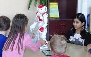 Tương lai robot sẽ dạy chính, thầy cô chỉ trợ giảng?