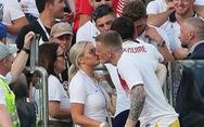 Vợ các cầu thủ Anh làm gì trong lúc lang quân thi đấu ở World Cup?