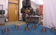 'Huấn luyện' thành công robot hai chân vượt địa hình phức tạp