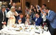 Đang đám cưới, cô dâu chú rể dừng ngang xem Nga đá với Tây Ban Nha