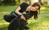 Thái Hòa, Phương Anh Đào vật lộn trên phim trường với… chó!