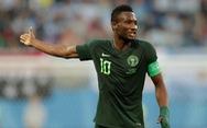 Mikel tiết lộ sốc cha bị tra tấn trước trận Argentina