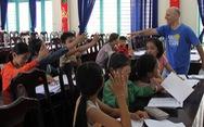 Dạy tiếng Anh cho trẻ nghèo, tôi tìm được hạnh phúc ở VN