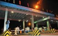 Bắt 5 người có hành vi trốn thuế tại trạm thu phí cao tốc Trung Lương