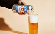 Bạn đọc ngợi khen bác sĩ dám 'truyền bia cứu người ngộ độc rượu'
