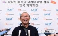 Phóng viên Hàn Quốc 'vây' HLV Park ngày trở về