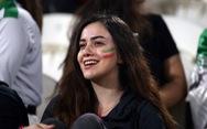 Ngắm những cô gái Iran xinh đẹp trong chiến thắng '5 sao' trước Yemen