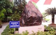 Kiểm toán nhà nước tặng khối đá quý 14 tấn cho Thừa Thiên Huế