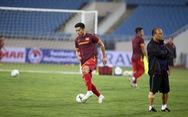 Văn Hậu cùng các tuyển thủ Việt Nam sẵn sàng cho trận thư hùng với Malaysia