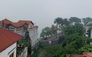 Mù sương phủ kín Hà Nội, không khí ô nhiễm ở ngưỡng nguy hại tới sức khỏe