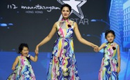 Ba mẹ con Hương Giang  cùng Tiểu Vy, H'Hen Niê diễn thời trang nhí