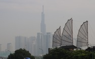 Sương mù phủ kín các nẻo đường TP.HCM