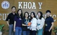 Sinh viên Y Dược dùng 3D in 'khung chân' giúp trẻ dị tật