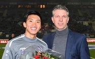 Heerenveen xướng tên chúc mừng Văn Hậu vô địch SEA Games trước hàng ngàn CĐV Hà Lan
