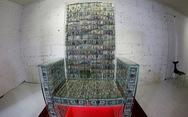Tỉ phú Nga bọc 1 triệu USD tiền mặt trong kính chống đạn để làm ghế ngồi