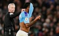 Thua Wolverhampton theo kịch bản không tưởng, Man City tung 'cờ trắng'