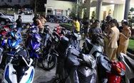 Tạm giữ hơn 200 xe máy 'đi bão' sau chiến thắng của U22 Việt Nam
