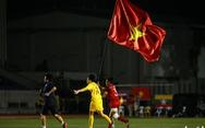 Khoảnh khắc nghẹn ngào của tuyển nữ Việt Nam đêm đăng quang