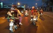 Lên lại Sài Gòn với trĩu nặng quà quê